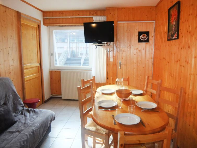 2 Room 5 Pers ski-in ski-out / LAUZES A1
