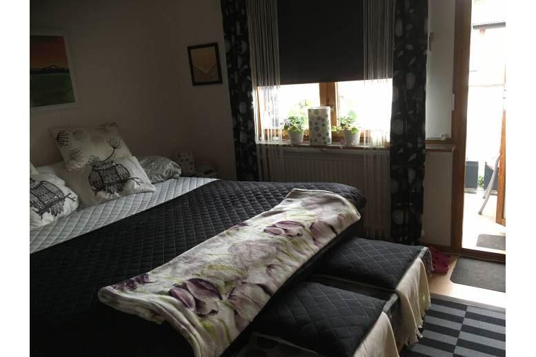 Arvika - Lägenhet i lugnt och barnvänligt område, Dottevik. 3 rum och kök på andra våningen med balkong.  2,5