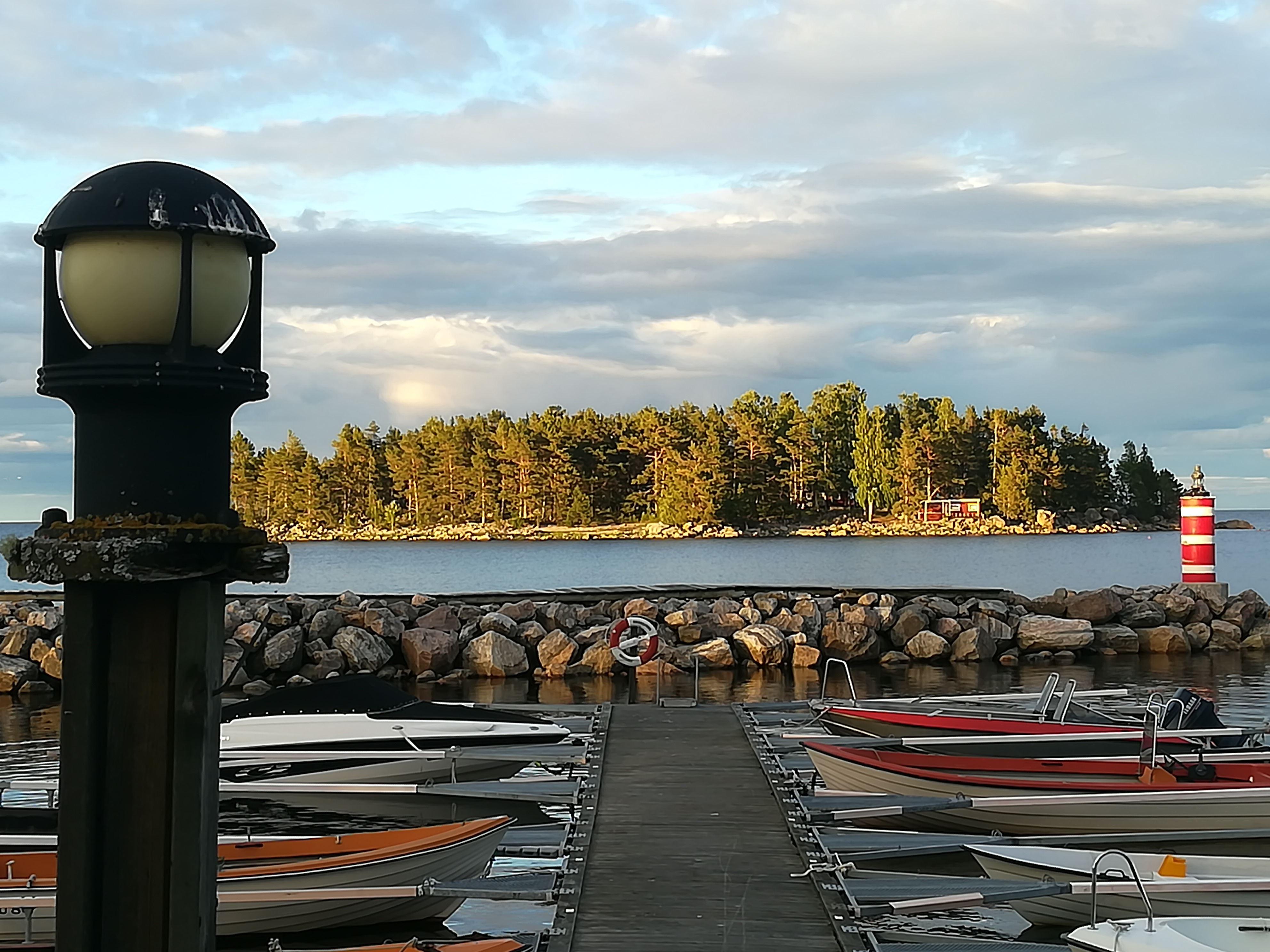 Fritidshus i vackra Storsand/Lakbäck med ett stenkast från havet.