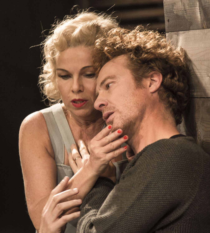 Elisabeth Ohlson Wallin, Fordringsägare – Görel Crona - Teater