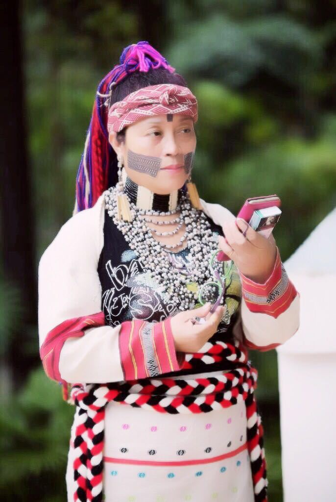 Föreläsning om stammen Trukus textila arv