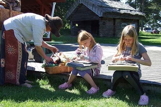 Lastenaktivitetteja Jan Karlsgårdenissa