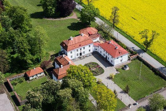 Bjärsjölagårds Slott med borgen Beritzholm och kalkugnarna Adam och Eva