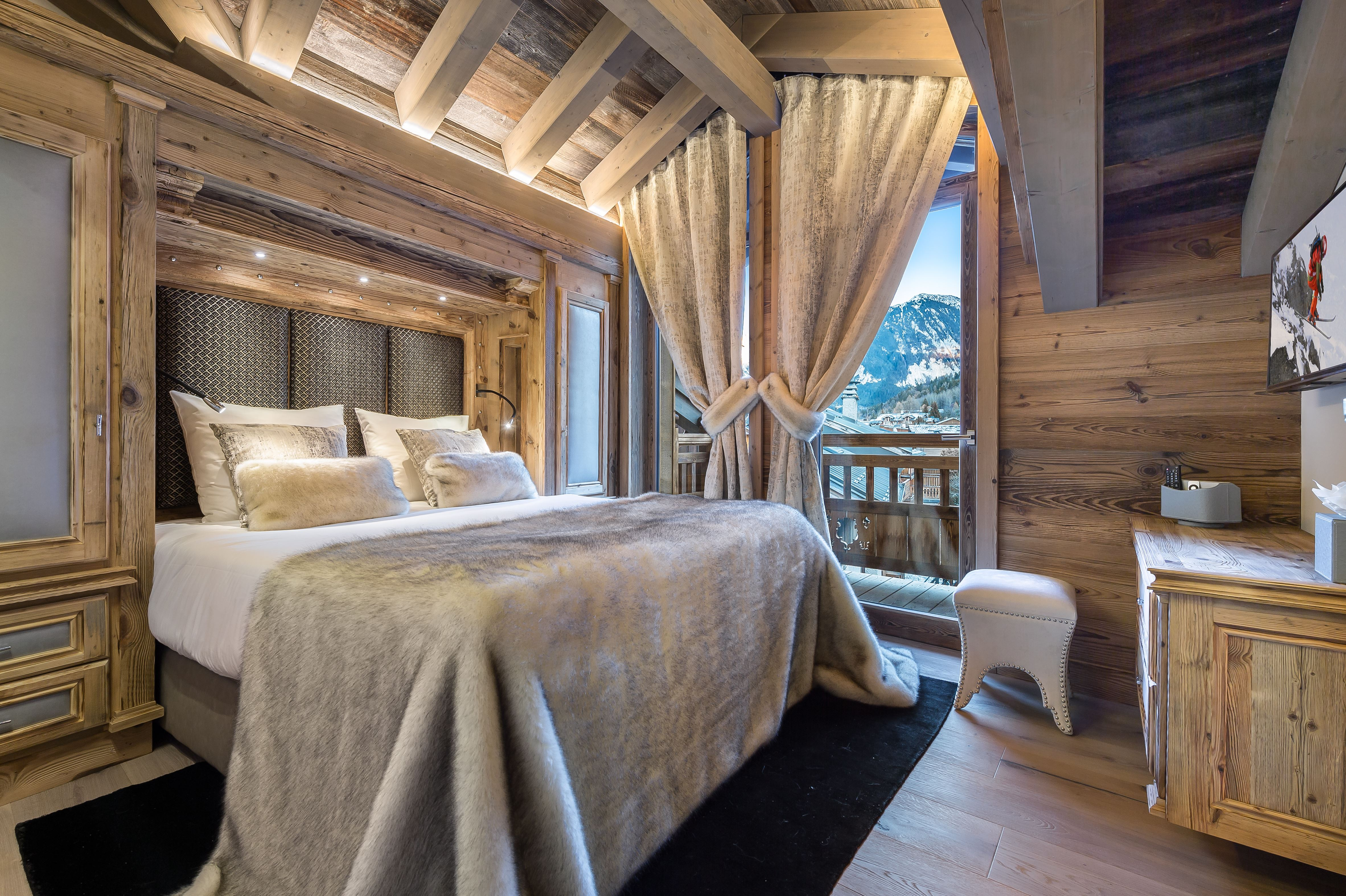 6 rooms 10 people / CHALET WHITE (mountain of exception)