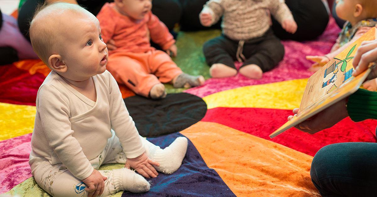 Pekboksäventyr för bebisar