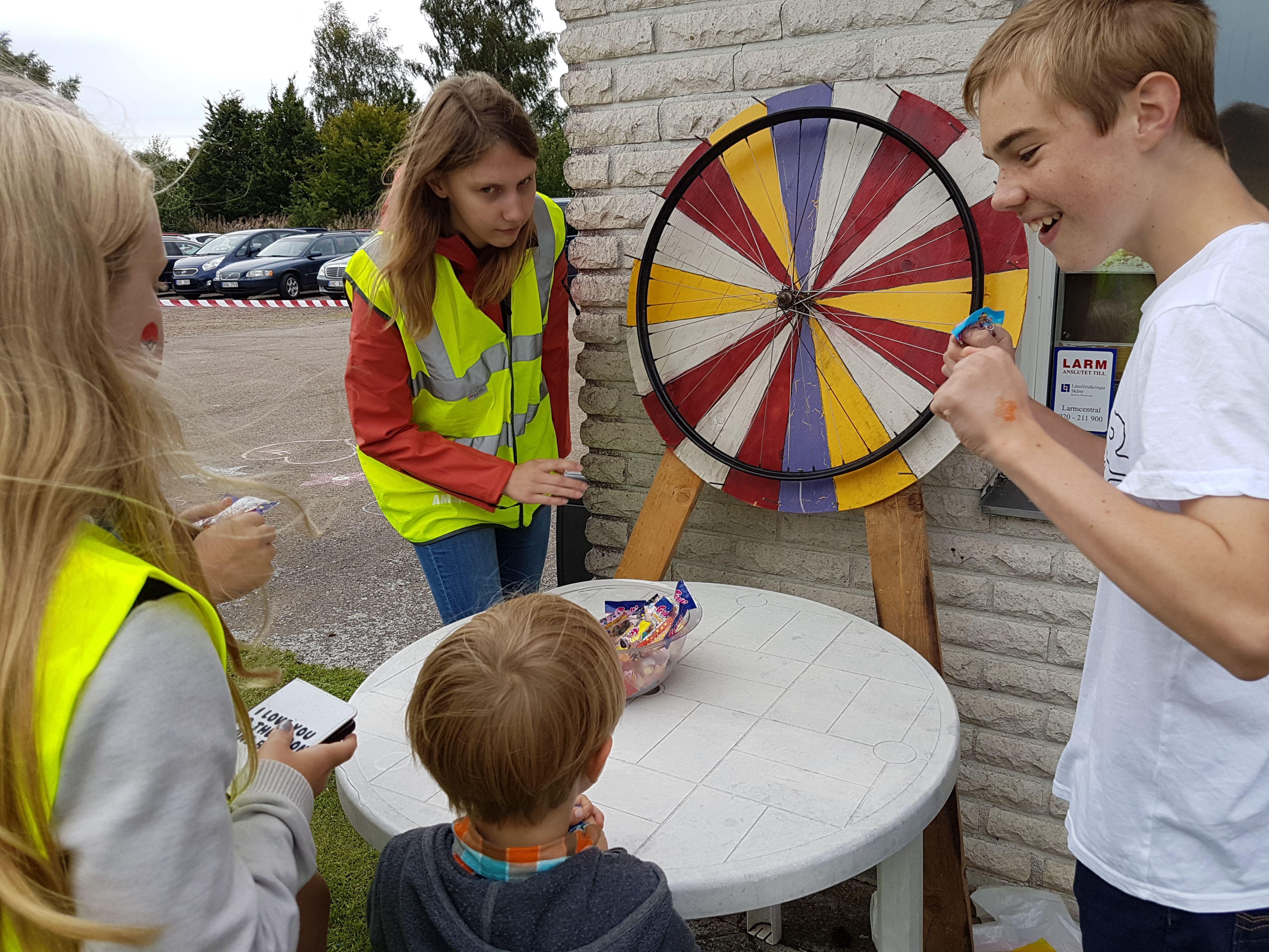 Barnfest och 100-årskalas