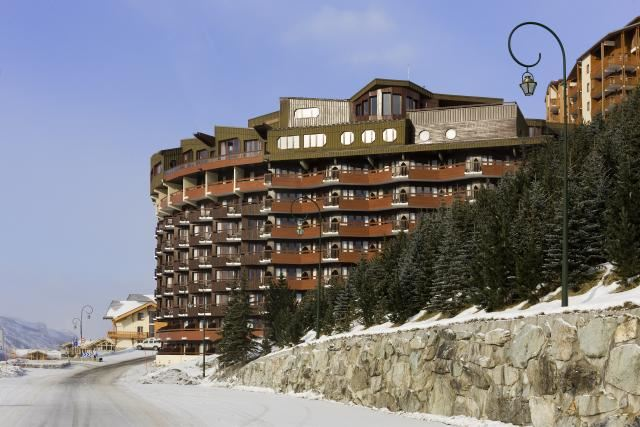 "Hotel ski-in ski-out / HOTEL LES BRUYERES (4 Snowflakes ""Silver"")"