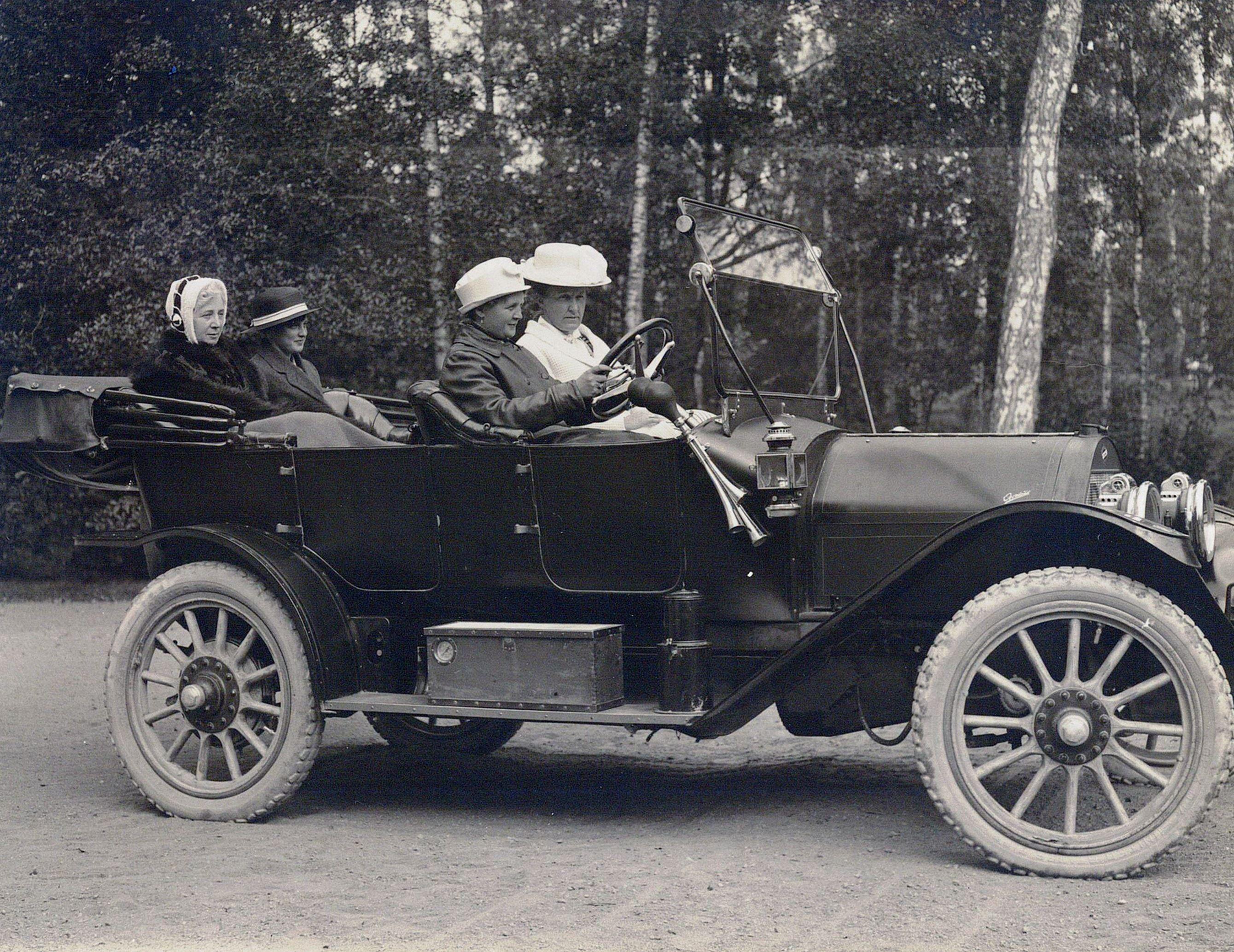 En Pontiac De Lux i arkivet