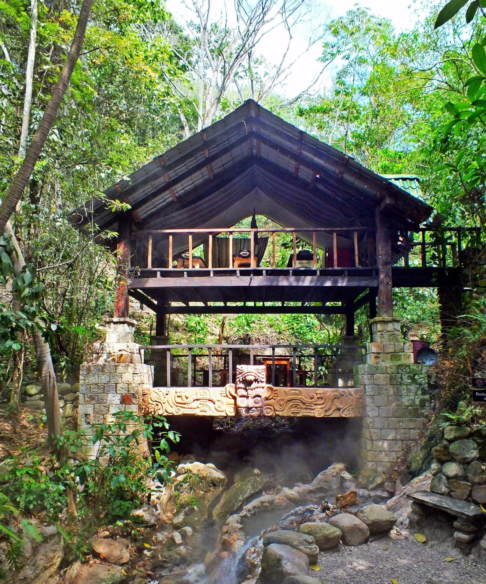 Termas y Spa Natural de Luna Jaguar en Copán