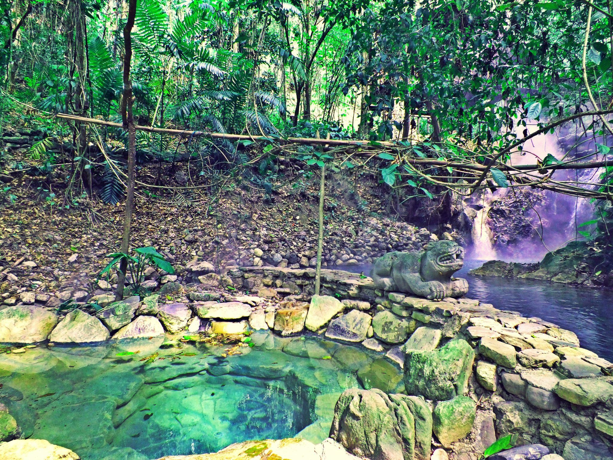 Luna Jaguar Natural Hot Springs & Spa in Copán
