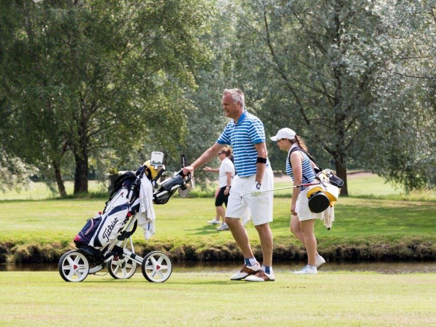 Bo, ät och spela golf