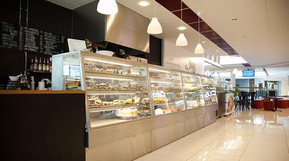 Esters Café
