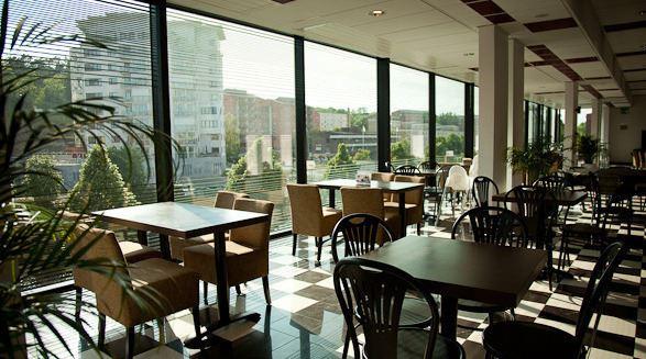 Esters Cafe