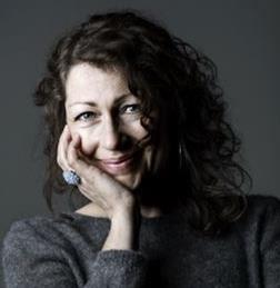 Författarbesök med Elisabeth Åsbrink