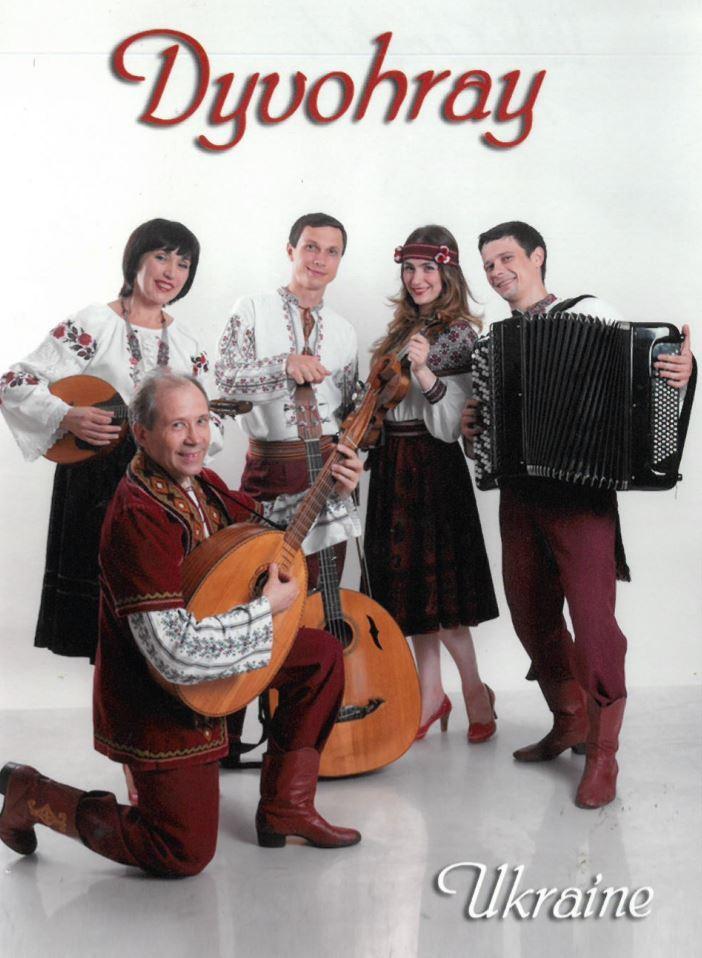 Dyvohray spiller folkemusik fra Ukraine i Væggerløse Kirke