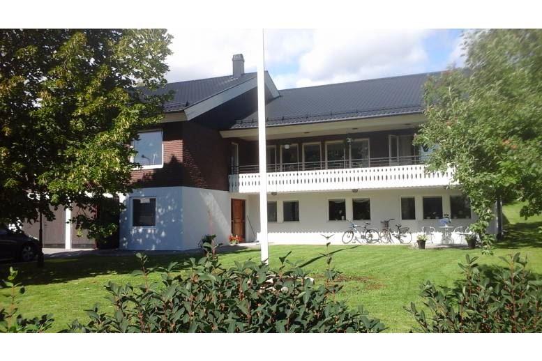 Järved - Stor villa i Järved (Örnsköldsvik) med stora ytor och eget gym