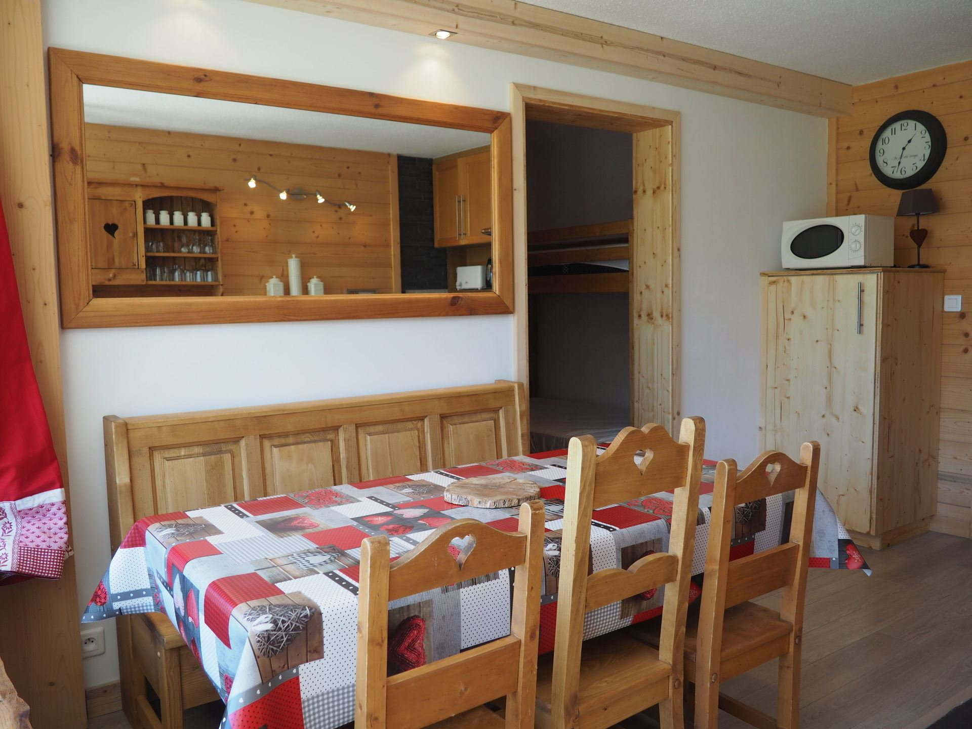 2 Room 6 Pers ski-in ski-out / DORONS 604
