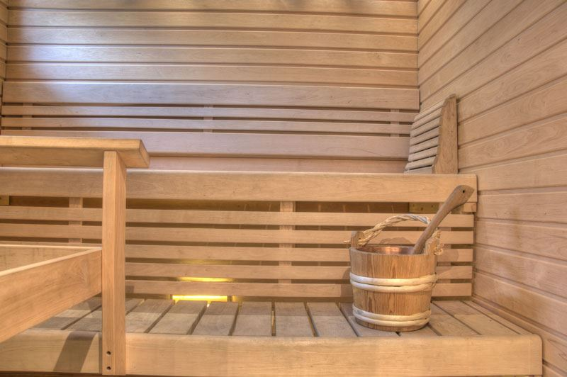 Sauna and outdoor jacuzzi | Kullasmarina