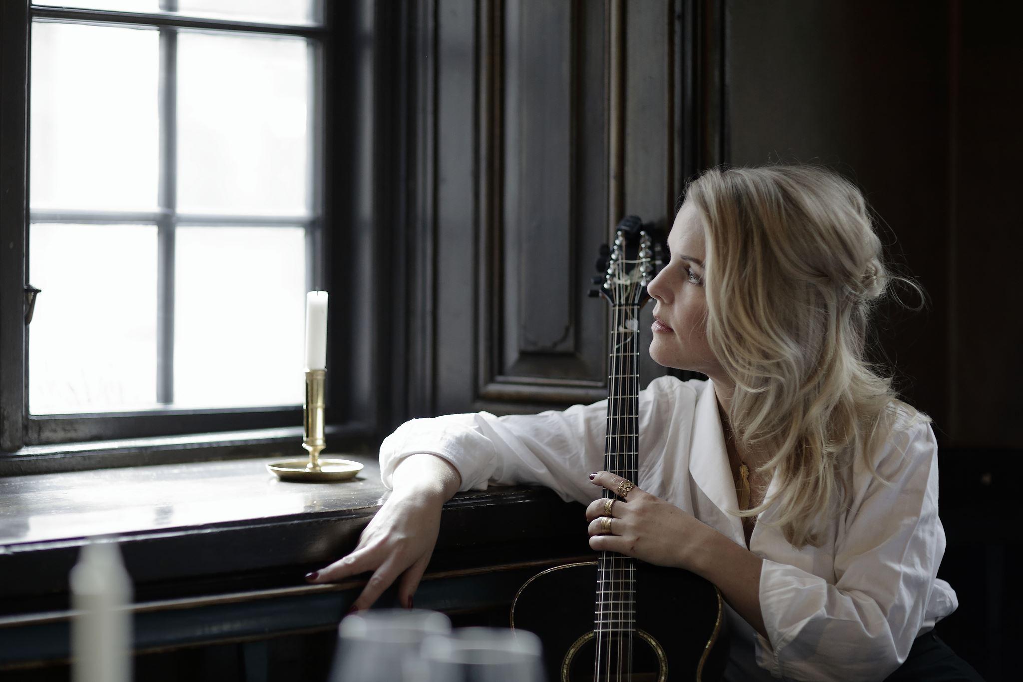 Konsert med Sofia Karlsson, Café Chocolate i Rimbo