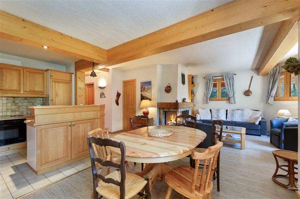 5 rooms 8 people ski-in ski-out / LUTTINS (mountain of charm)