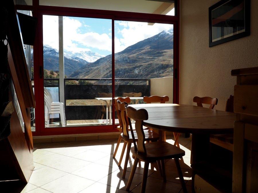 3 Room cabin 8 Pers ski-in ski-out / CARON 702