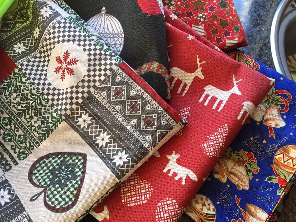 Julkortstillverkning på Enångers Bygdegård