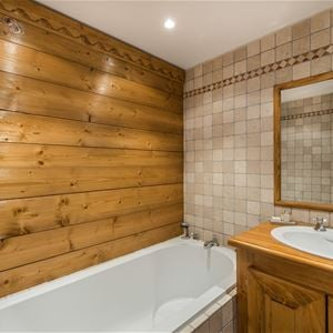 4 rooms 6/7 people / ski-in ski-out / SOLEIL LEVANT 19A (mountain of charm)