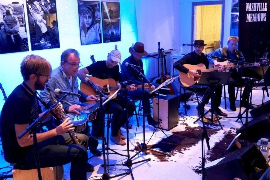 Välgörenhetskonsert 50/50 Eva Carlströms Minnesfond och Rosa Bandet.