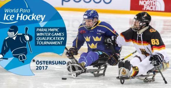 Foto: Parasport Sverige,  © Copy: Parasport Sverige, Två kälkhockeyspelare på isen