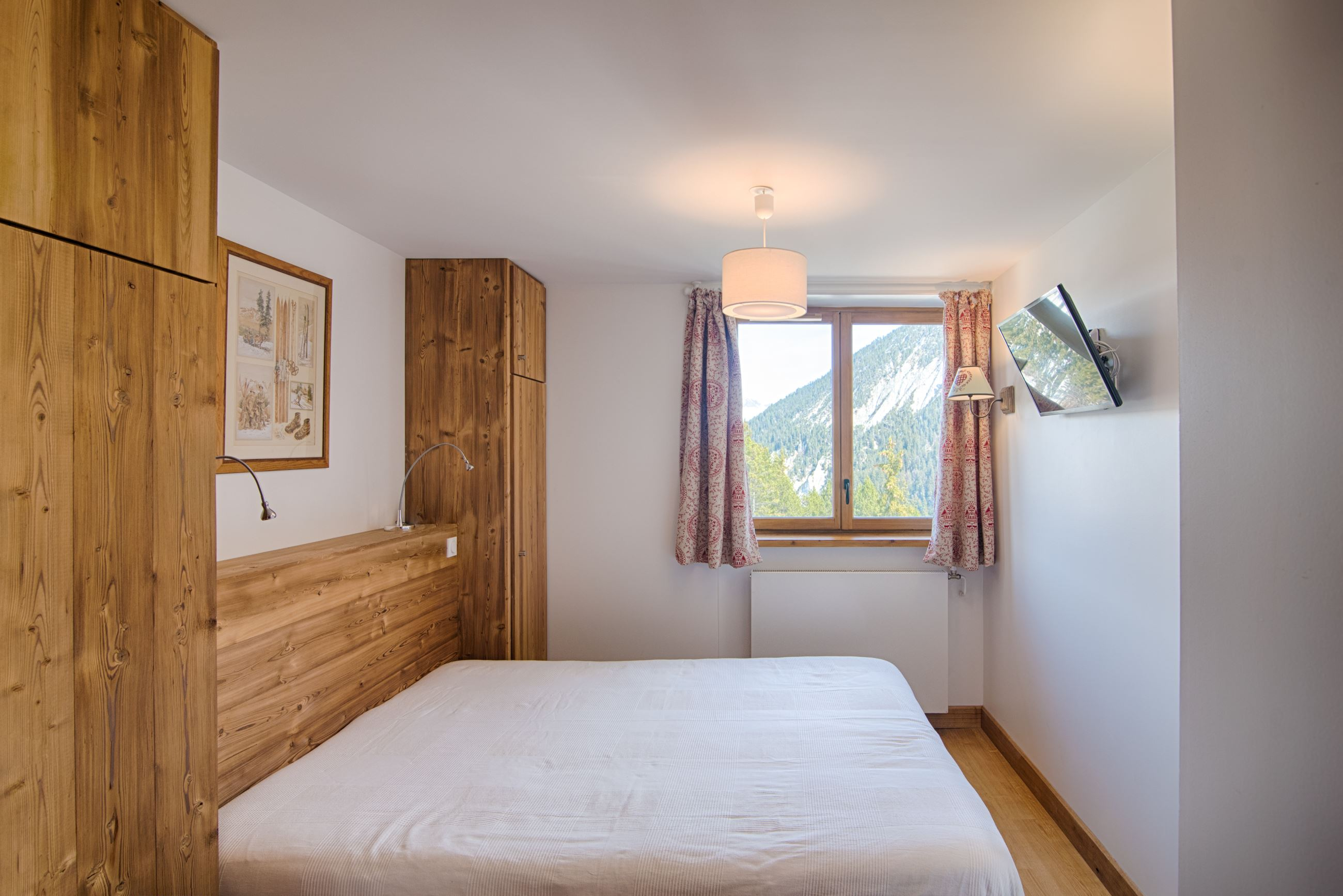 5 rooms 10 people ski-in ski-out / ROC MERLET (mountain of dream)