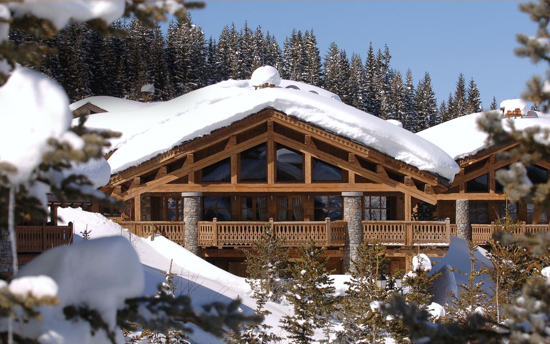 6 pièces 10 personnes skis aux pieds / CHALET LES SORBIERS (montagne d'exception)