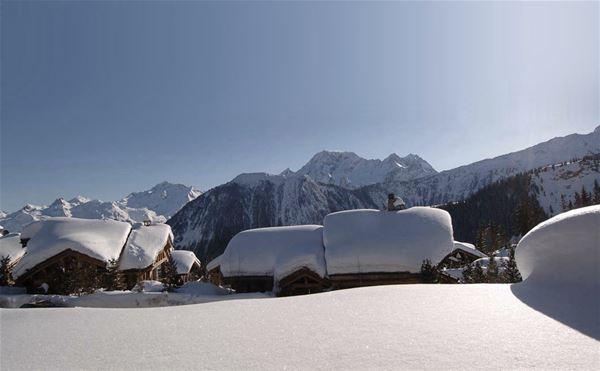6 pièces 10 personnes skis aux pieds / CHALET LES SORBIERS (Montagne de Rêve)