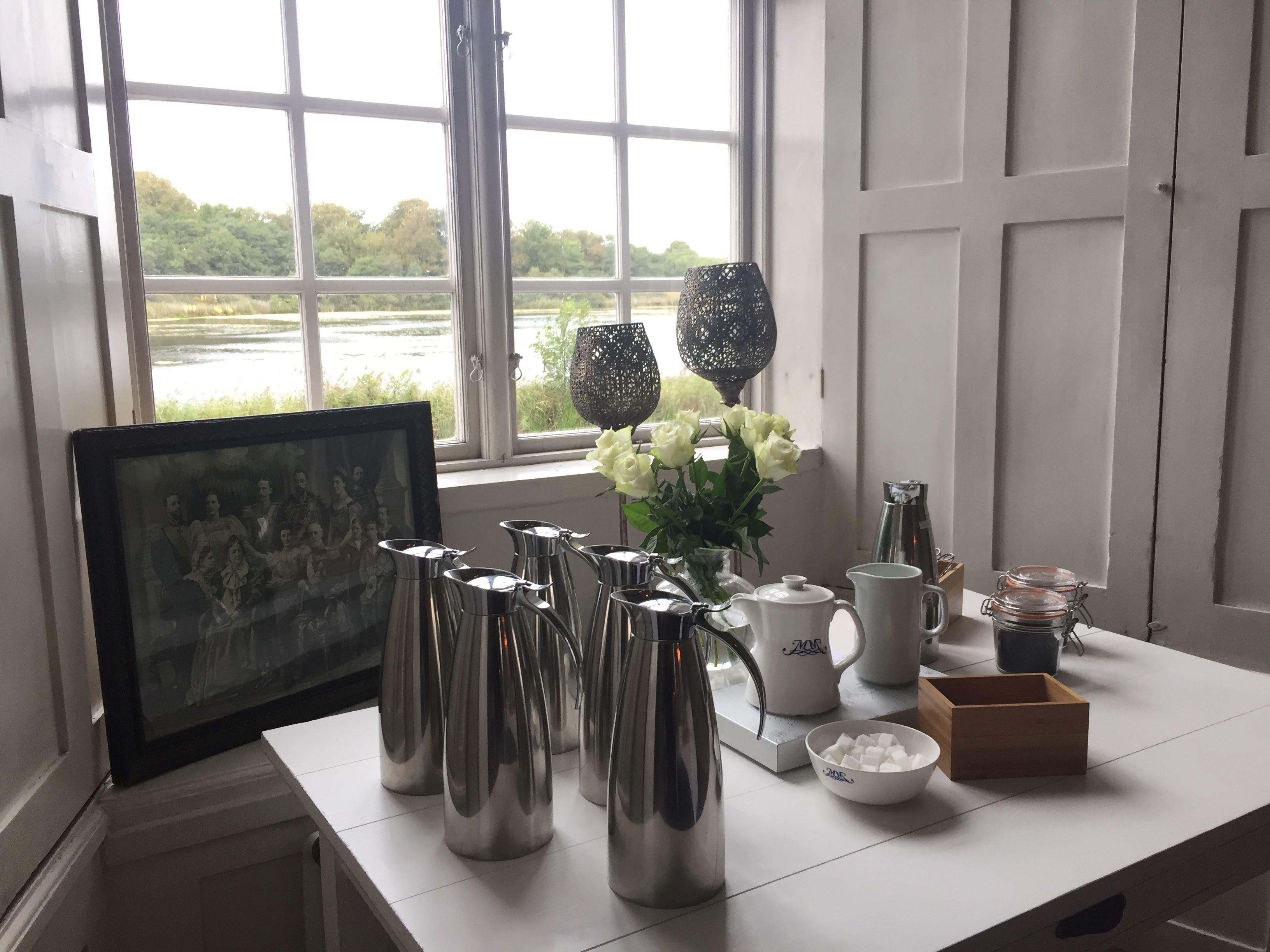 Henriette Ellberg, Kaffebord med utsikt