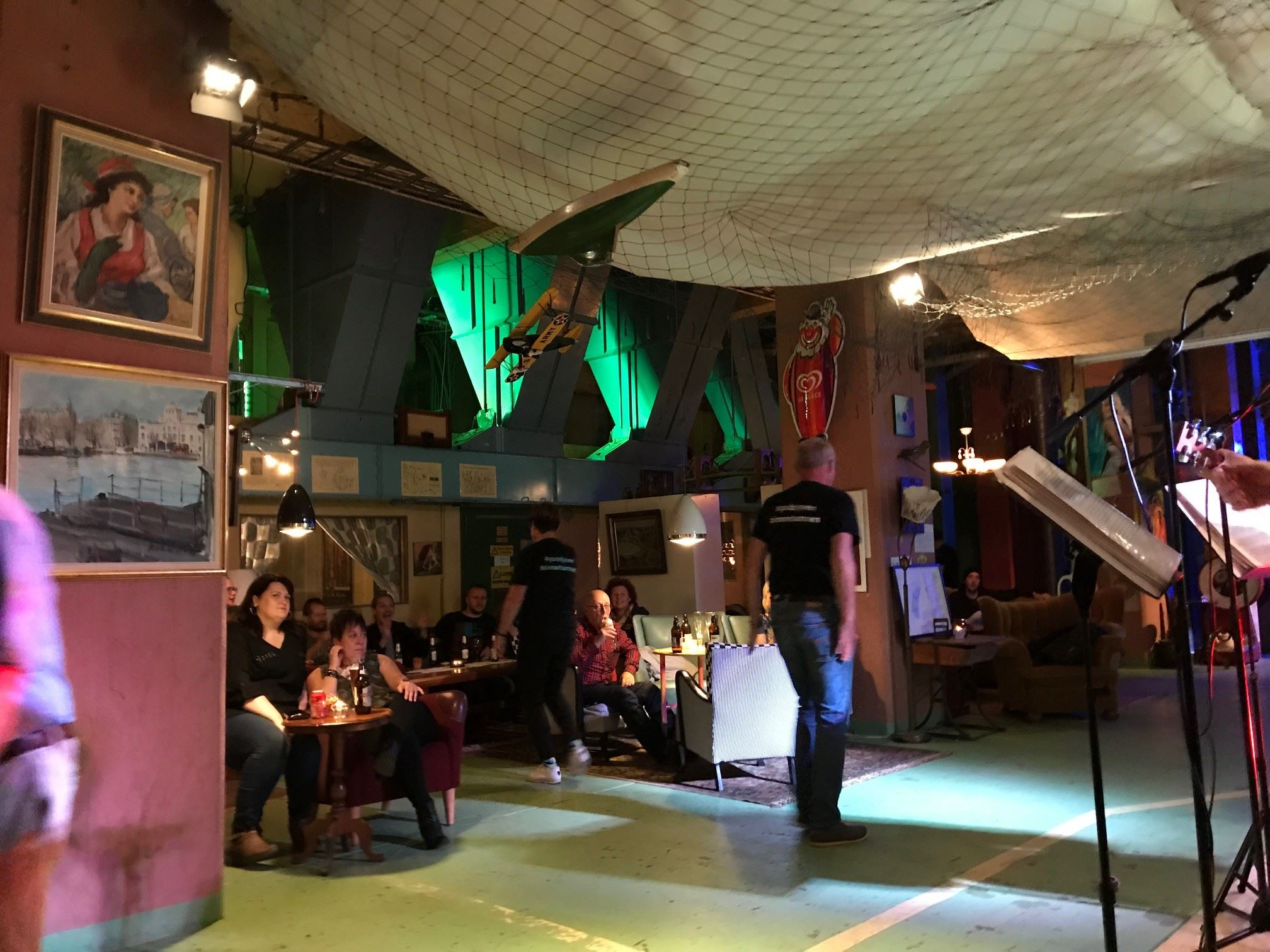 Maniac på Pub Tjyven