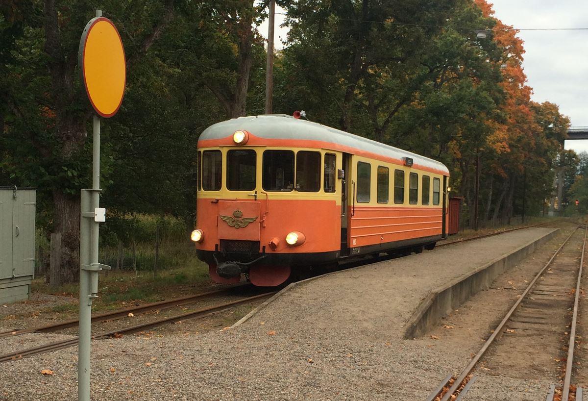 Hösttåg på Smalspårsjärnvägen