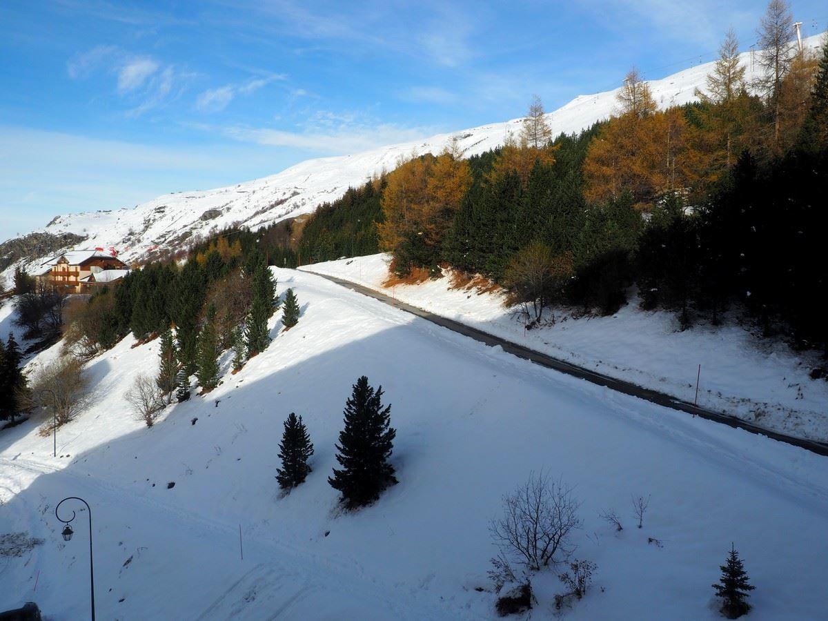 2 Pièces 6 pers ski au pied / CARON 813