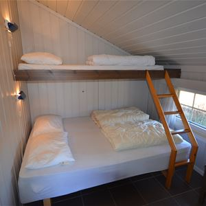 11-bed cabin