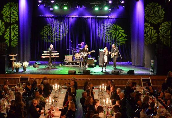© Copy: OSD, Bild på uppträdande från scen