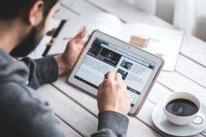 Hjälpfunktioner i mobiler och plattor