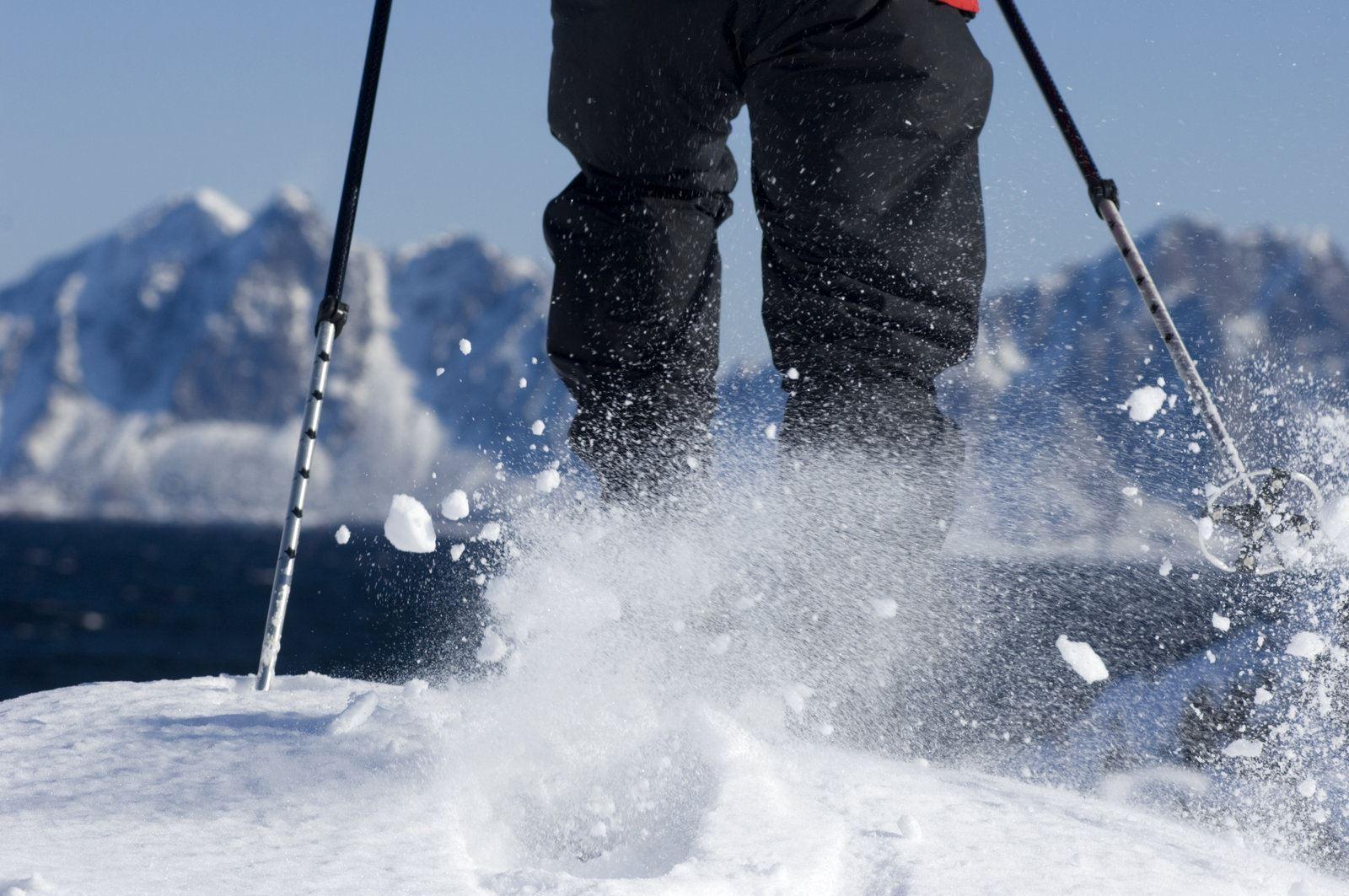 © Terje Rakke www.nordnorge.com, Snowshoe hike in the Lyngen Alps - XLyngen