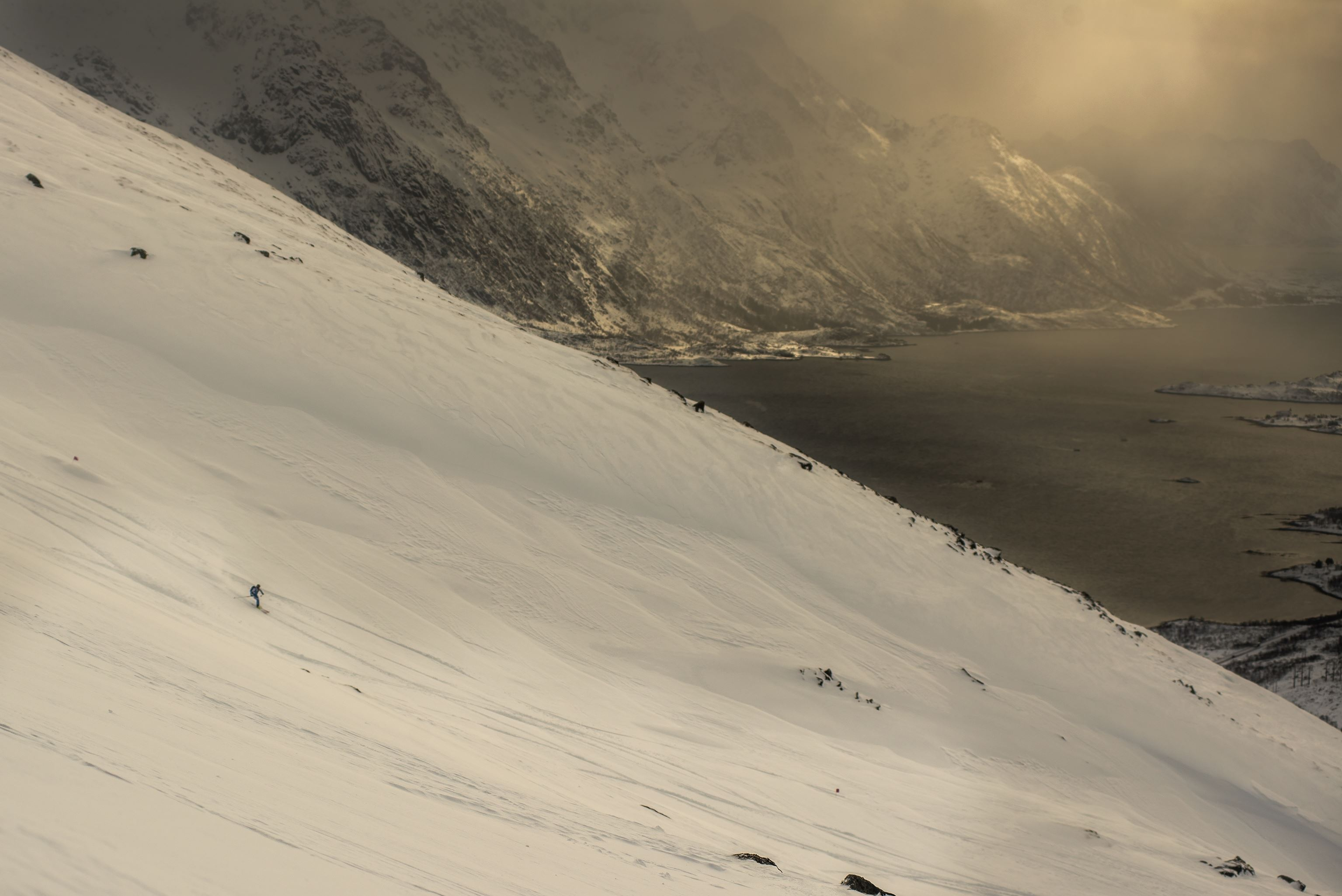 © Kai-Otto Melau / www.thearctictriple.com, Lofoten Skimo 1000+ // The Arctic Triple