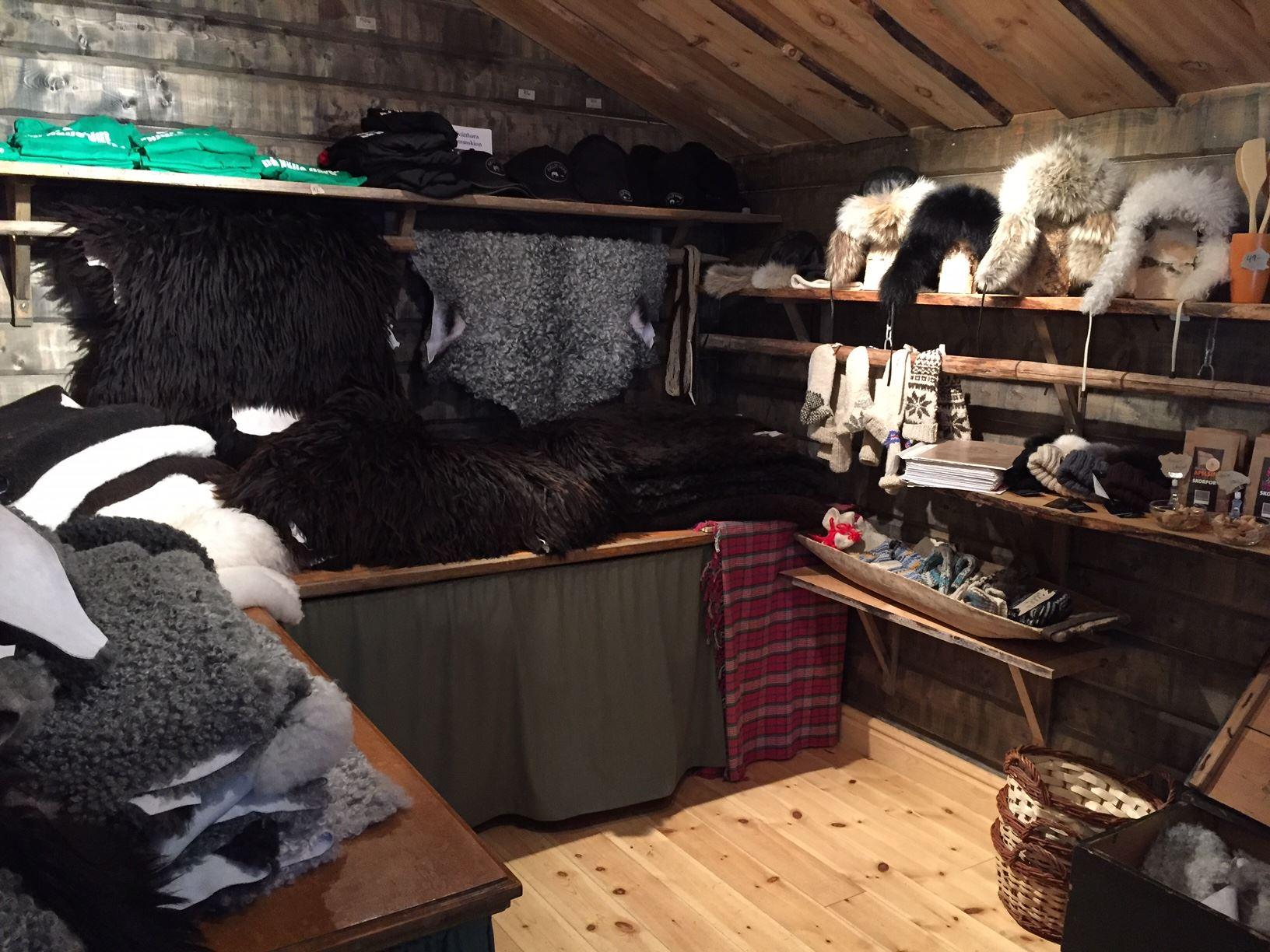 Gårdsbutik Hälje gård - butiken
