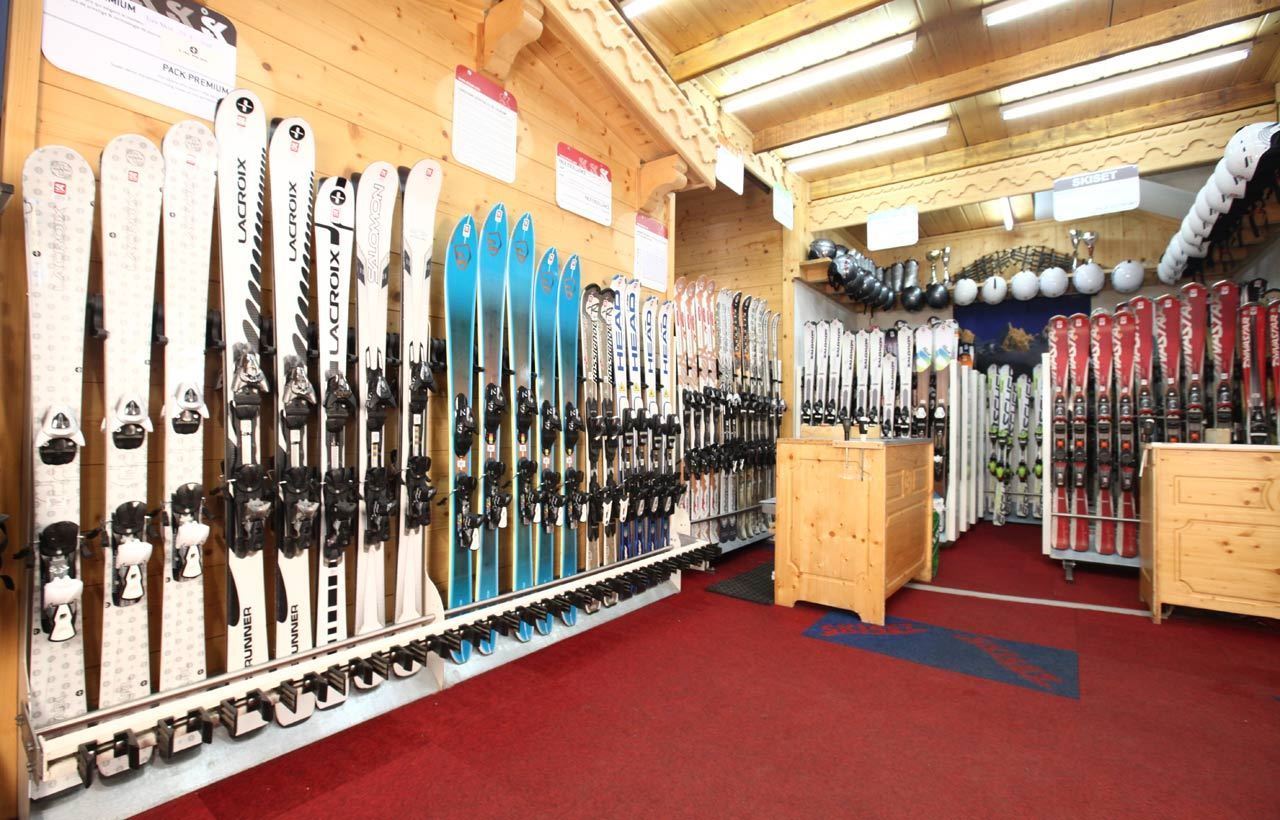 MAGASIN SKISET SERGE SPORT: RUE DU MARQUIS COURCHEVEL MORIOND