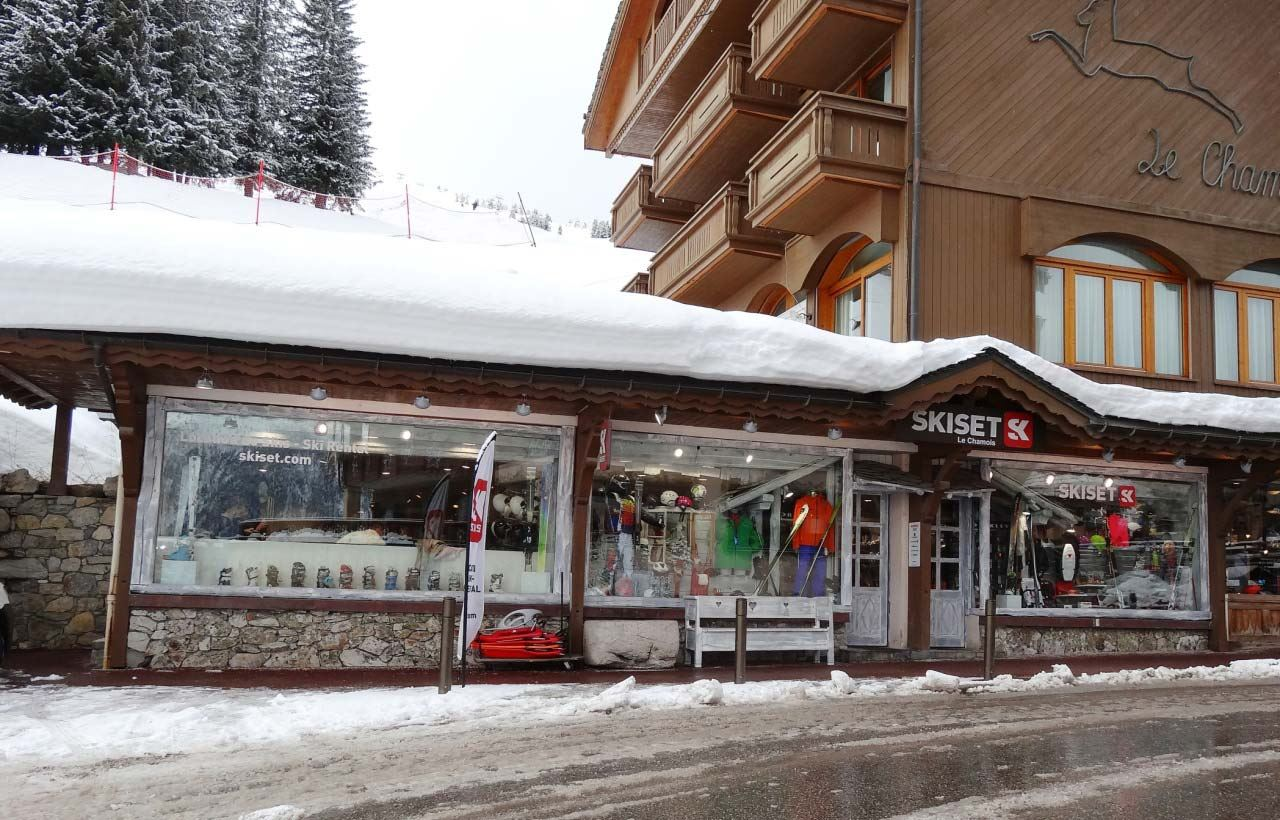 SHOP SKI SERVICE CHAMOIS : RUE PARK CITY COURCHEVEL