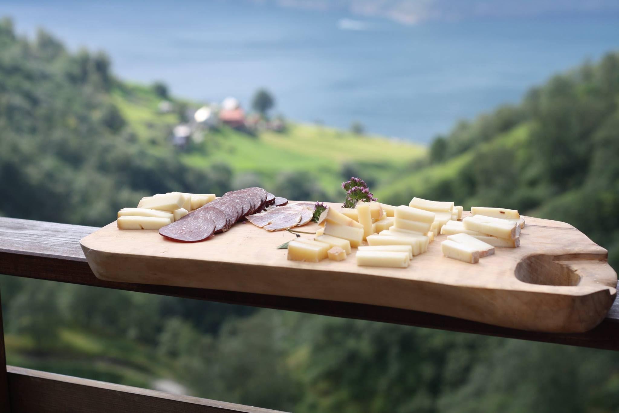 Basic FjordSafari & vandretur til geitestølen Leim