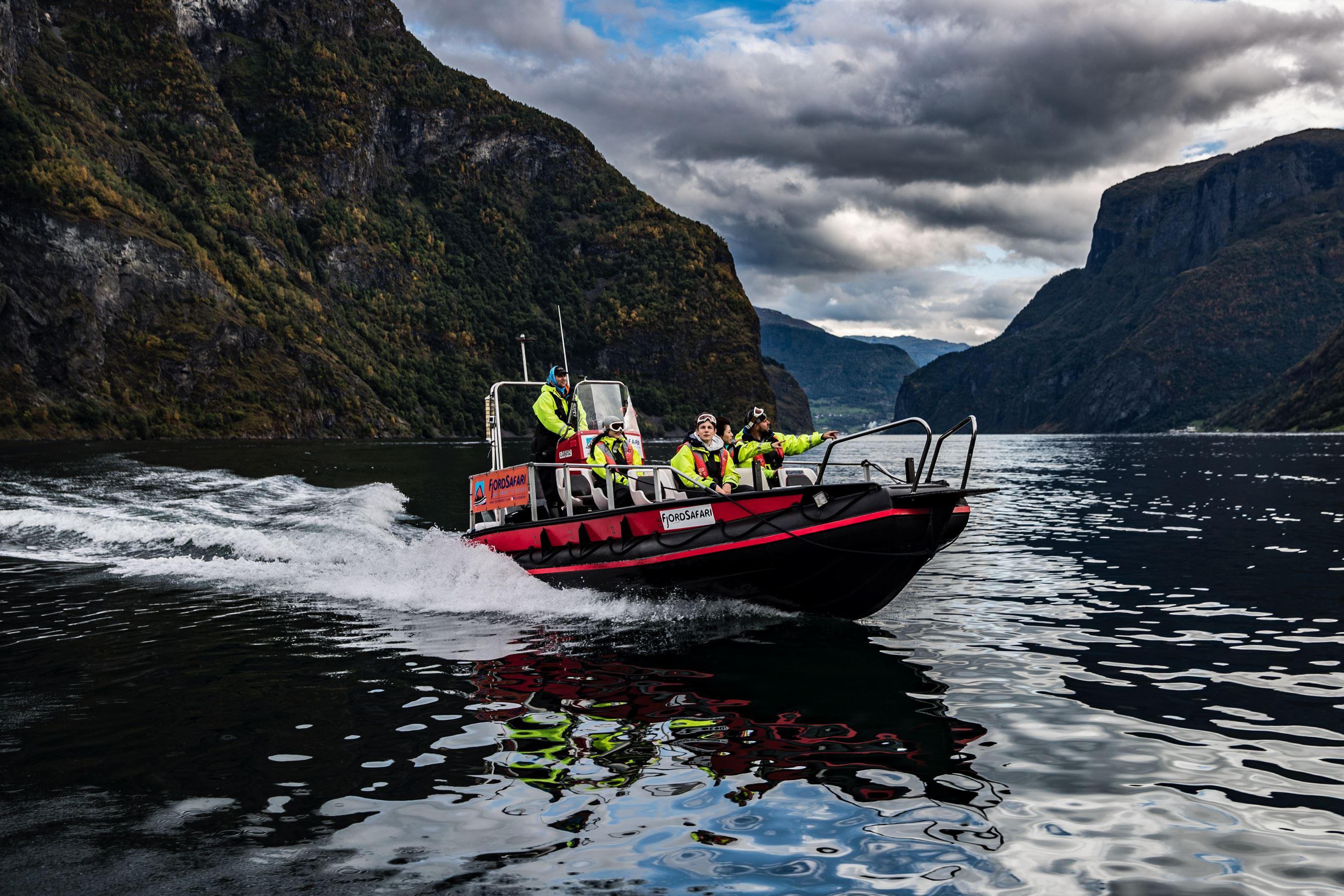 © Håvard Nesbø, Heritage FjordSafari og heilaften på Ægir BryggeriPub