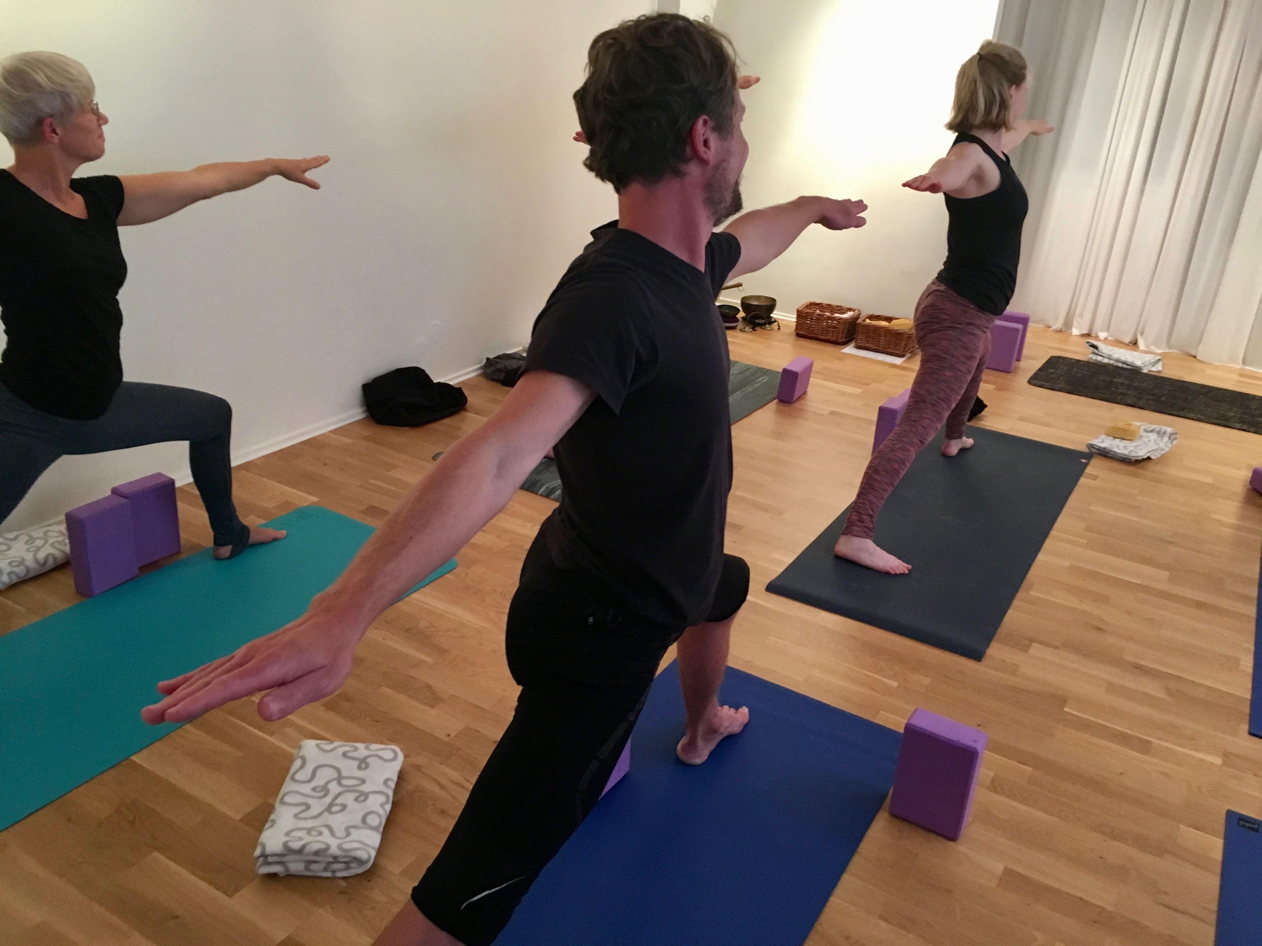 Viryayoga: Fysiskt flödande yoga