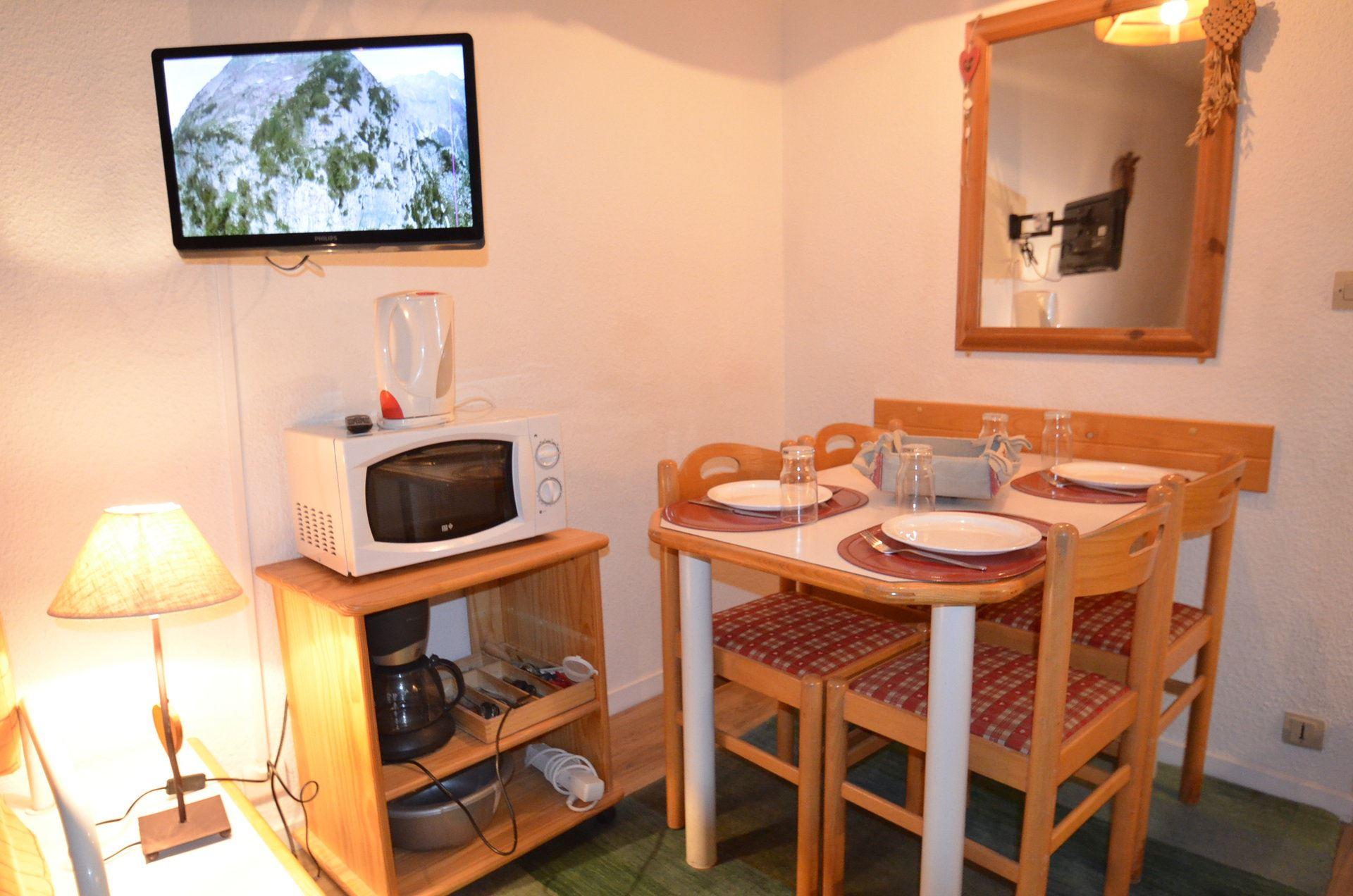 4 Pers cabin Studio ski-in ski-out / NECOU 820