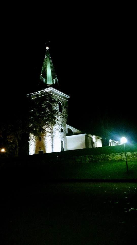 Messe in der Berga Kirche Lagan
