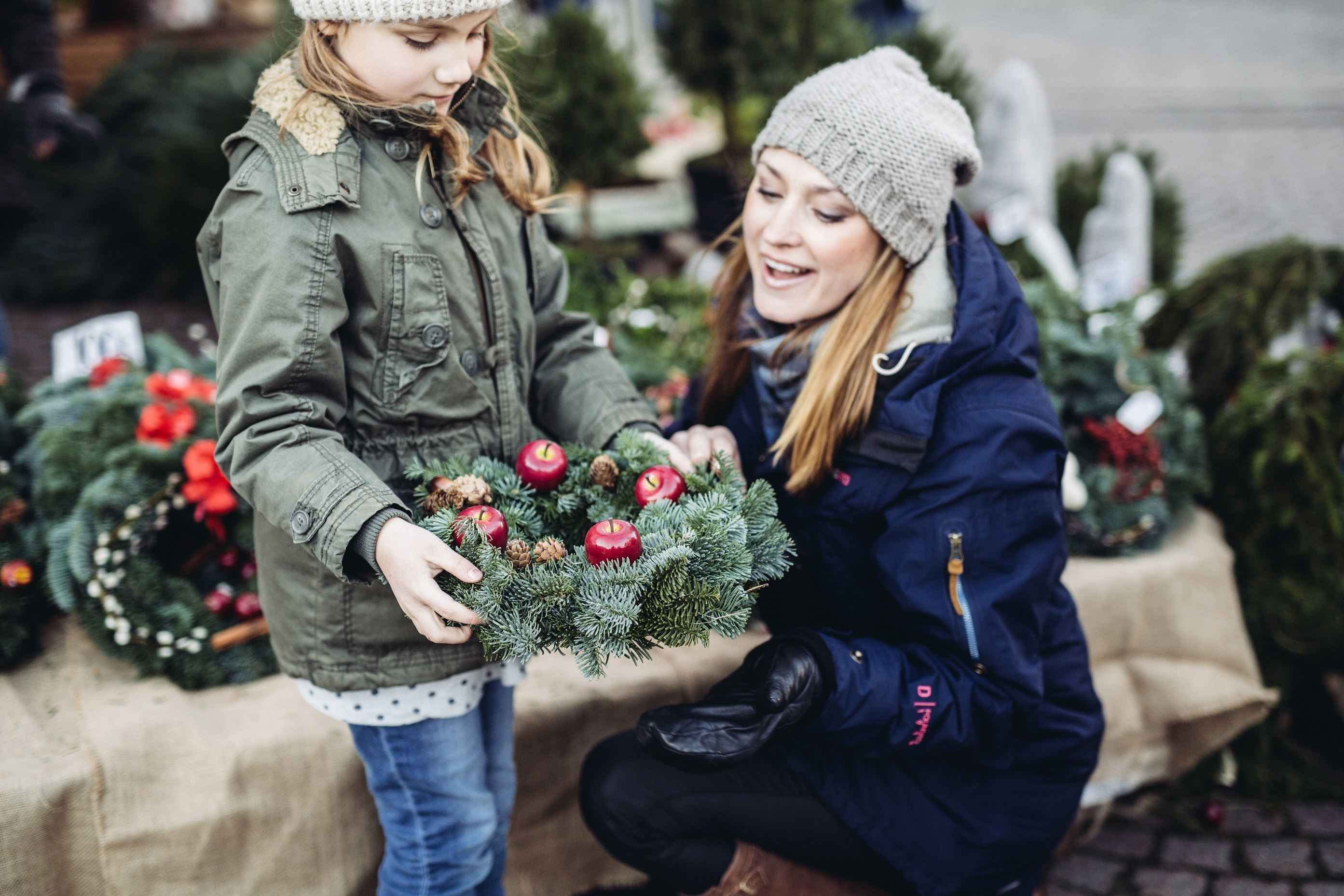© Ängelholms Näringsliv, Julmarknad och skyltsöndag På Stan